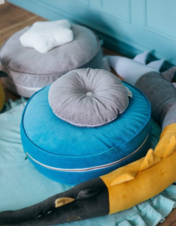 A stunning addition to a children's bedroom, the Petrol Velvet Soft Children's Ottoman will instantly lift and create interest in any room in your home. A beautiful small ottoman stool, also perfect as a foot stool in a magical nursery theme.