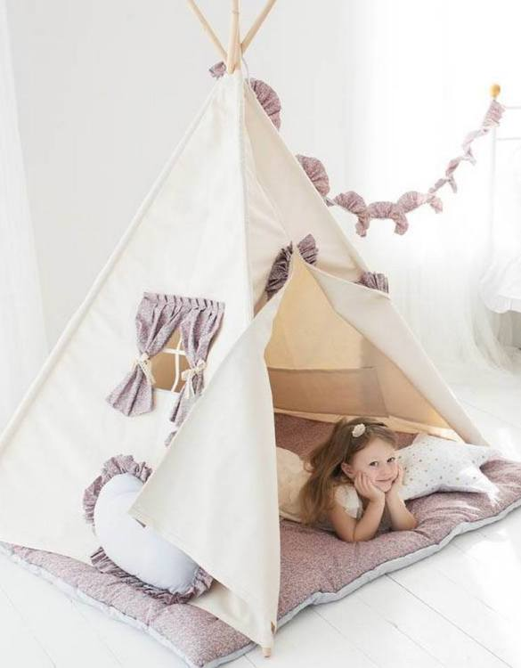 Watch your children create their own adventures with Summer Children's Play Teepee! Every little adventure needs their own space to let their imaginations run wild and this kids play tent is just perfect.