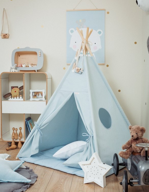 A perfect hideaway for tiny people, the Plain Blue Children's Teepee Set takes you to the wonderland of fun, joy, and happiness. This decorative kids' play tent promotes imaginative play for your child and sets the perfect environment for your little one to create his own fantasy world.