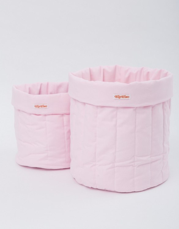 Tidying up your toddler's play area is a doddle with the Plain Pink Toy Storage Bag, a generously sized accessory that's as stylish as it is practical. Strong and sturdy design making them ideal to store a variety of toys, books, and games.