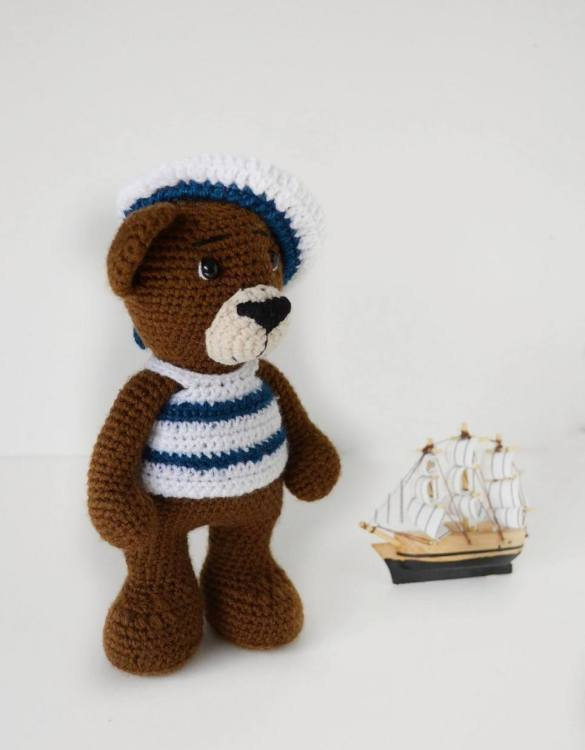 A fun and cuddly present, the Sailor Crochet Child Teddy Bear makes a lovely companion as a child grows. This chid teddy bear is a perfect gift for a new baby or baby shower, and a lovely way to celebrate your new prince or princess.