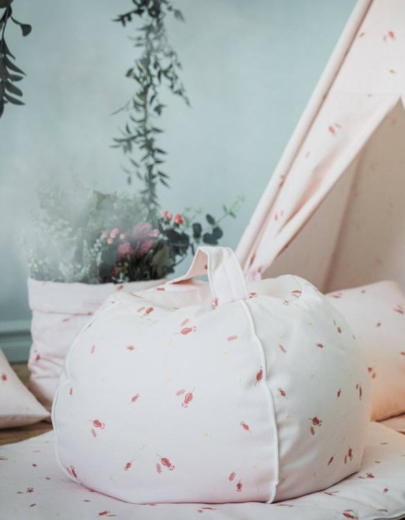 Perfect for creating a little reading corner in a children's bedroom, the Misty Rose Children's Bubble Beanbag is perfect for lounging. The perfect gift for any toddler or small child, this seating solution is a gorgeous addition to a little one's bedroom or nursery.