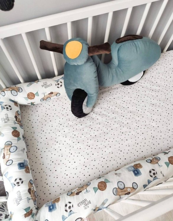 Highly practical and gorgeous looking cot bedding, the Scooter Cot Bumper is perfect to welcome a new baby at home! It is not only a protection but also a soft friend who will make sure that the child does not feel lonely during sleep.
