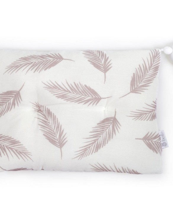 Perfect to suit your nursery theme, the Beige Leaves Bamboo Baby Pillow makes going to bed something special, an ideal way to conjure up sweet dreams. The perfect way to end the day this baby head pillow makes a great addition to any child's room and is a fun way to make sure that it feels special to them.