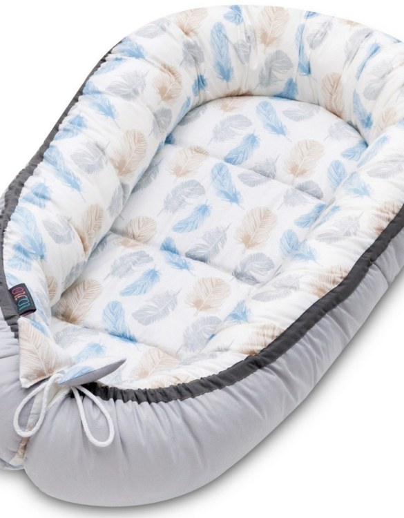 With a stylish design, the Blue Feathers Baby Nest Cocoon ensures that your baby sleeps in a cosy and soft environment, which is the best idea when a crib is still very big within the first few months.