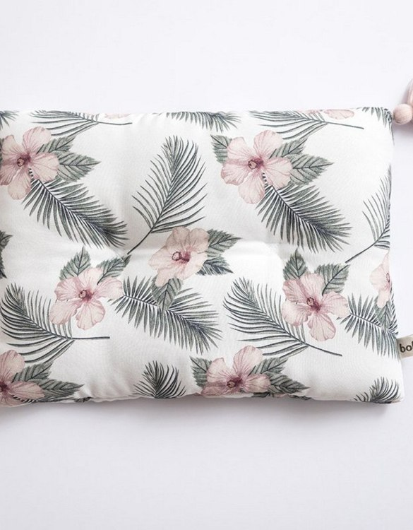 Perfect to suit your nursery theme, the Flowers Bamboo Baby Pillow makes going to bed something special, an ideal way to conjure up sweet dreams. The perfect way to end the day this baby head pillow makes a great addition to any child's room and is a fun way to make sure that it feels special to them.