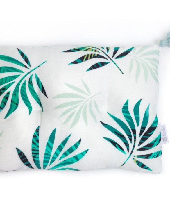 Perfect to suit your nursery theme, the Green Leaves Bamboo Baby Pillow makes going to bed something special, an ideal way to conjure up sweet dreams. The perfect way to end the day this baby head pillow makes a great addition to any child's room and is a fun way to make sure that it feels special to them.