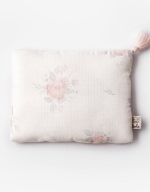 Perfect to suit your nursery theme, the Roses Baby Muslin Pillow makes going to bed something special, an ideal way to conjure up sweet dreams. The perfect way to end the day this baby head pillow makes a great addition to any child's room and is a fun way to make sure that it feels special to them.