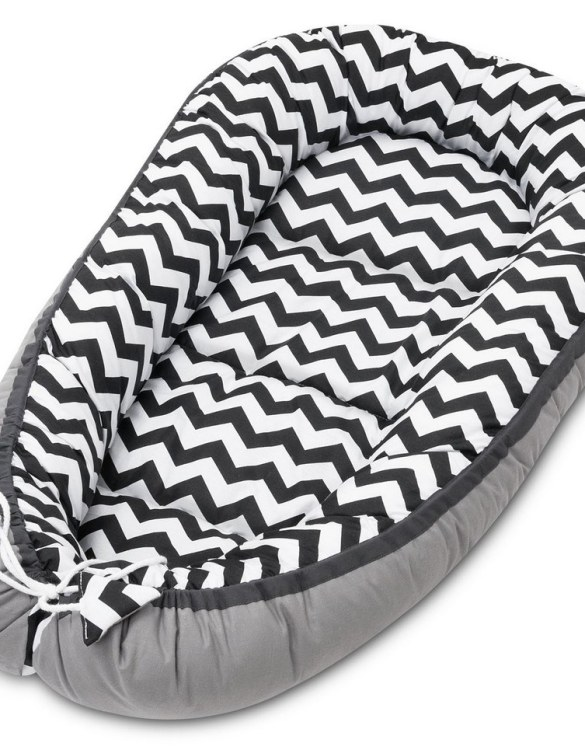 With a stylish design, the Zig Zag Baby Nest Cocoon ensures that your baby sleeps in a cosy and soft environment, which is the best idea when a crib is still very big within the first few months.