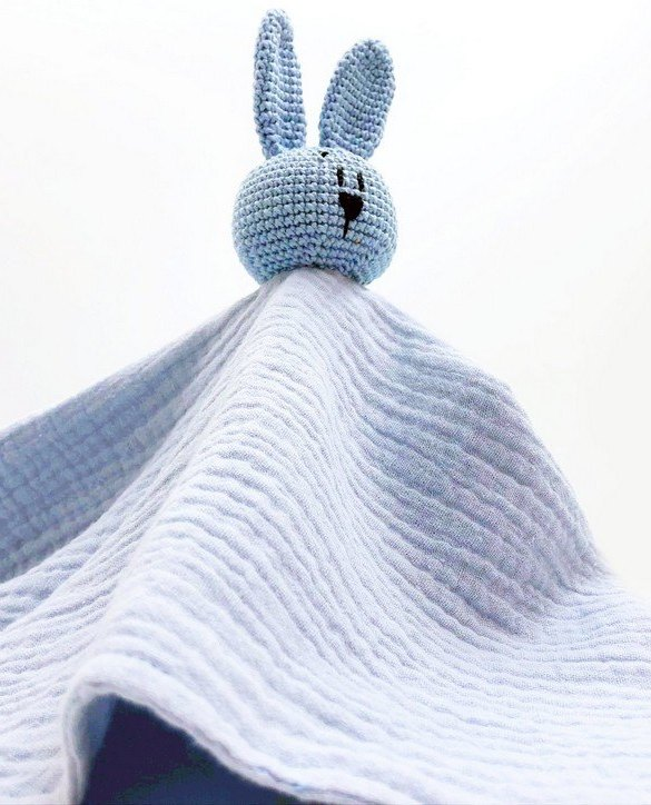 Perfect for tiny little hands to explore and hug, the Blue Bunny Baby Comforter makes a perfect friend to every baby or toddler. This unique baby comforter toy will encourage babies to explore textures and develop their grabbing skills and become the finest puppet to engage newborns.