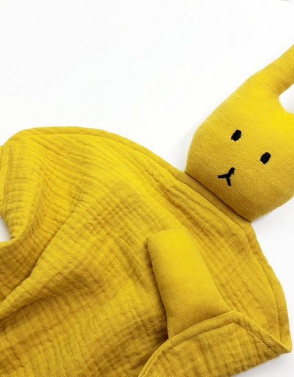 Perfect for tiny little hands to explore and hug, the Peter Rabbits Ocher Baby Comforter makes a perfect friend to every baby or toddler. This unique baby comforter toy will encourage babies to explore textures and develop their grabbing skills and become the finest puppet to engage newborns.