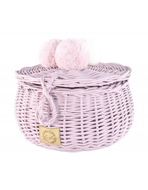 Decorated with pompoms, the Dirty Pink Big Wicker Casket is an elegant element of the decor. A wicker casket for small items. It doesn't matter whether you're 3 or 33, a girl always needs somewhere pretty and practical to store all her treasures.