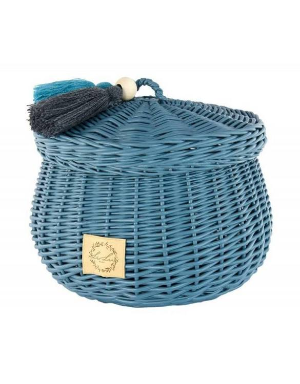 Sweet and simple, the Dusty Blue Wicker Casket with Tassels is perfect to fill with your child's favourite trinkets, or your own memories of your child's first moments. A beautiful wicker casket with tassels, carefully made by the best craftsmen, in three sizes.