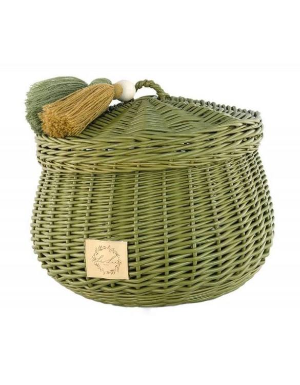 Sweet and simple, the Khaki Wicker Casket with Tassels is perfect to fill with your child's favourite trinkets, or your own memories of your child's first moments. A beautiful wicker casket with tassels, carefully made by the best craftsmen, in three sizes.
