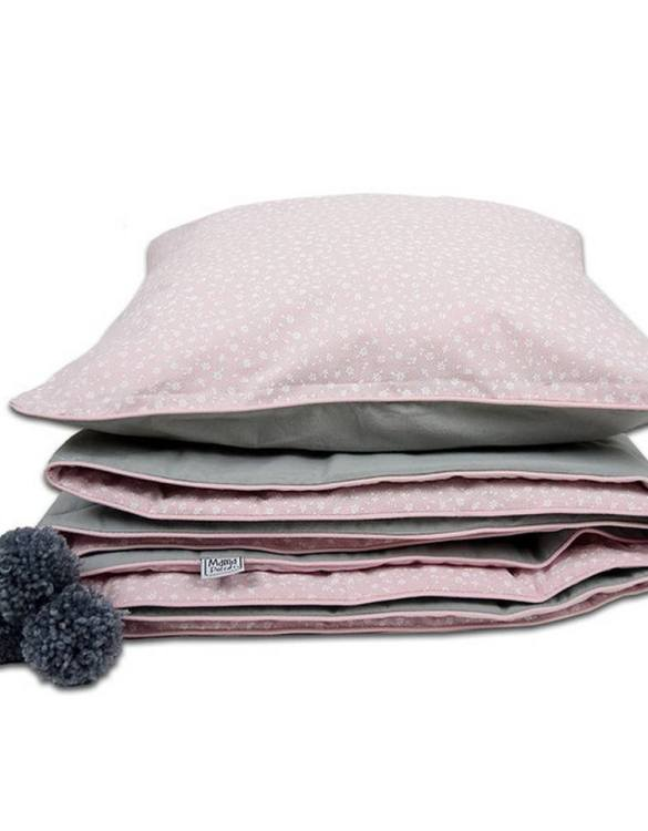 A beautiful addition to your child's bed, the Cotton Candy Children's Bed Throw will cheer up any room and give an amazing, stylish look. This children's throw would make a wonderful new baby gift or baby keepsake and will look beautiful in their nursery.