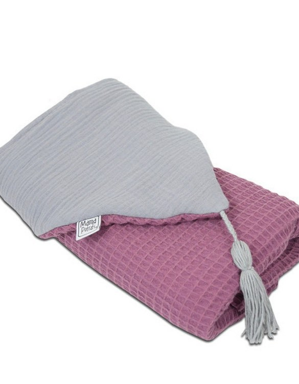 Great for gifting, the Hooded Towel Blueberry is made from a beautiful 100% cotton terrycloth to make an absorbent yet lightweight fabric. A soft infant hooded towel with a charming muslin hood.