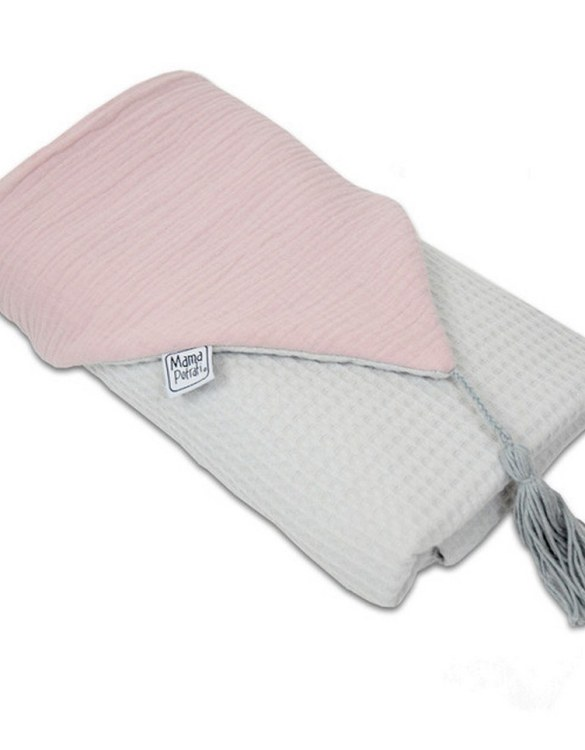 Great for gifting, the Hooded Towel Powder Pink is made from a beautiful 100% cotton terrycloth to make an absorbent yet lightweight fabric. A soft infant hooded towel with a charming muslin hood.
