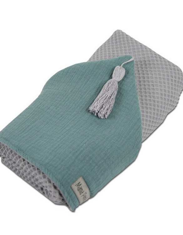 Great for gifting, the Hooded Towel Sage Green is made from a beautiful 100% cotton terrycloth to make an absorbent yet lightweight fabric. A soft infant hooded towel with a charming muslin hood.