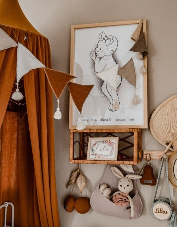 The ideal gift for a new baby or a Christening present, the Triangle Bunting Caramel makes a fab addition to a party or a little one's room. A gentle garland will decorate your nursery room and contribute to the development of the baby.