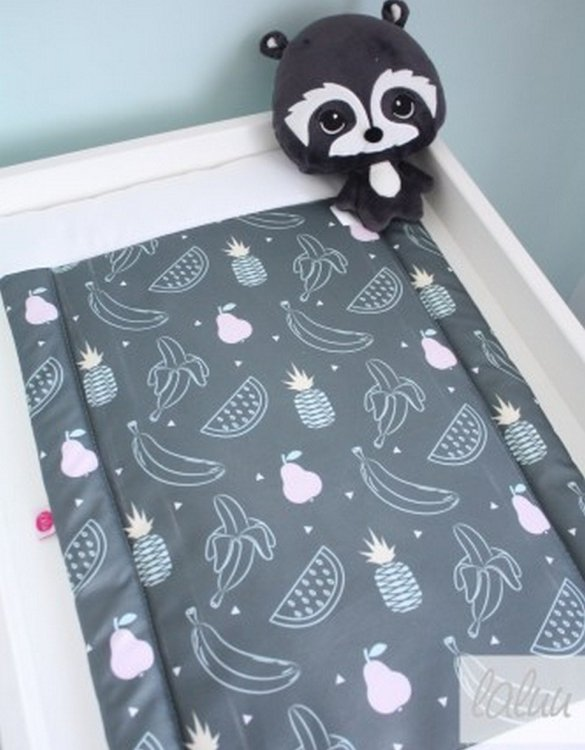 A perfect gift for a new baby, the Fruit Waterproof Winding Mat is ideal for keeping the little one comfortable and snuggly while changing. Super practical and stylish with a waterproof lining and it comes in your favourite prints.
