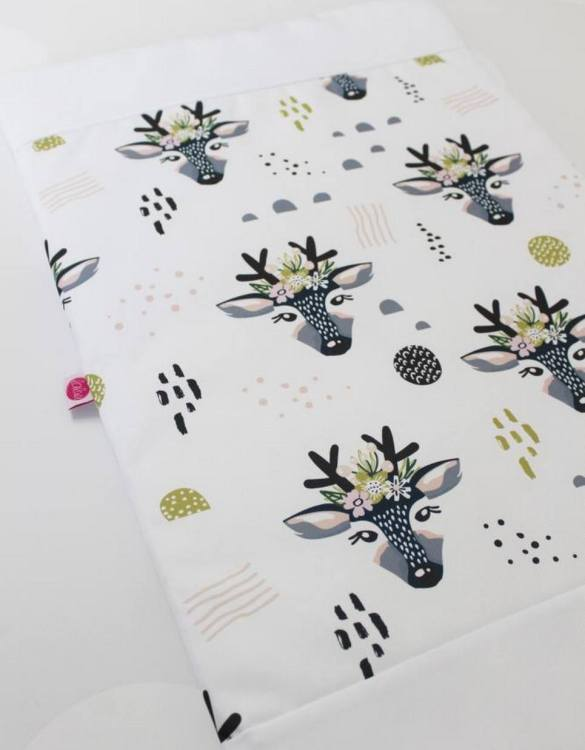 A perfect gift for a new baby, the Rogusie Waterproof Winding Mat is ideal for keeping the little one comfortable and snuggly while changing. Super practical and stylish with a waterproof lining and it comes in your favourite prints.