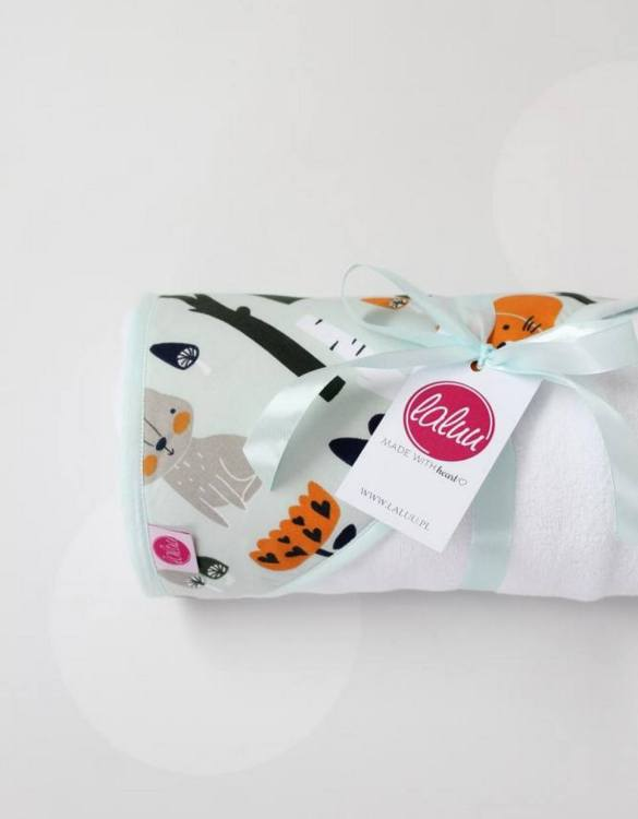 Keep your or a friend's little one warm and dry with the Forest Animals Baby Bath Towel. This hooded baby towel super soft and perfect for wrapping up your little one after a bath.