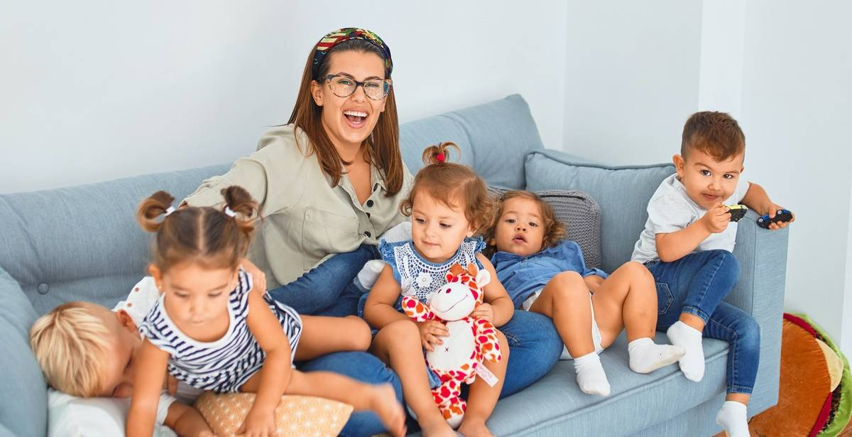 Nursery rhymes may just seem like a bit of fun, a way to spend time and interact with your children or just a quick and easy way to distract them but the truth is nursery rhymes have so many more benefits for your child, both in the long and the short term and are incredibly powerful influencers in pre-school development.