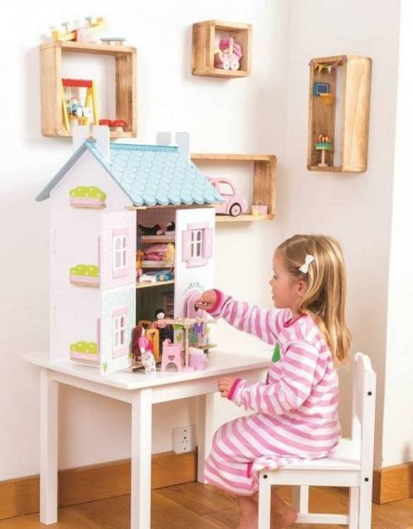Perfect for imaginative play. the Blue Bird Cottage Wooden Dolls House comes with a beautiful set of furniture and accessories making playtime even more fun. A beautiful and design scandi dolls house in a wooden design will delight the heart of every little girl.