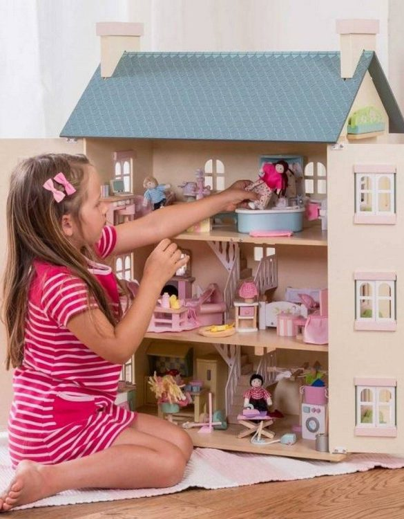 Perfect for imaginative play. the Cherry Tree Hall Wooden Dolls House comes with a beautiful set of furniture and accessories making playtime even more fun. A beautiful and design scandi dolls house in a wooden design will delight the heart of every little girl.
