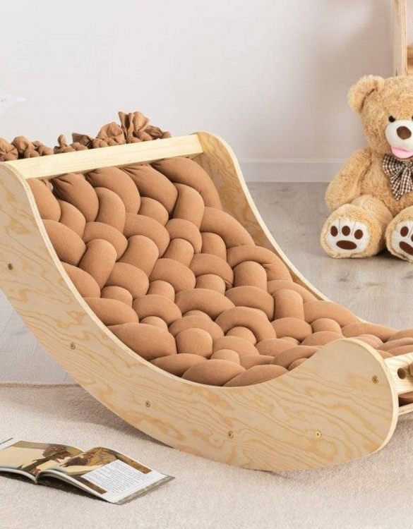 A great choice for playtime, the Cradle Montessori Balance Board will quickly become your household's most beloved toy as well. This rocking toy will stimulate your toddler's senses, awaken their imagination, strengthen muscles and will promote the development of balance.