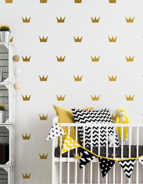 A beautiful scene for children's rooms and nurseries, the Crown Children's Wall Sticker is the perfect addition to any empty space (like walls or furniture). These wall stickers provide a flexible and cost-effective way to decorate your home.
