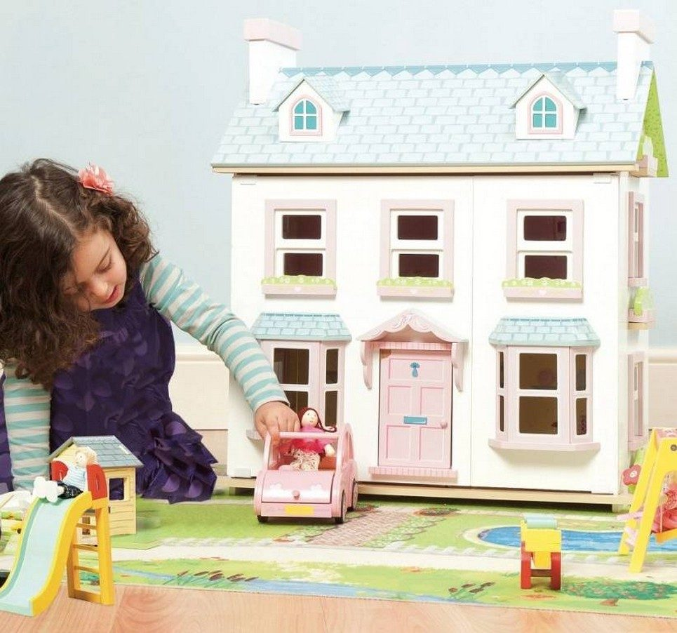 Mayberry Manor Wooden Dolls House