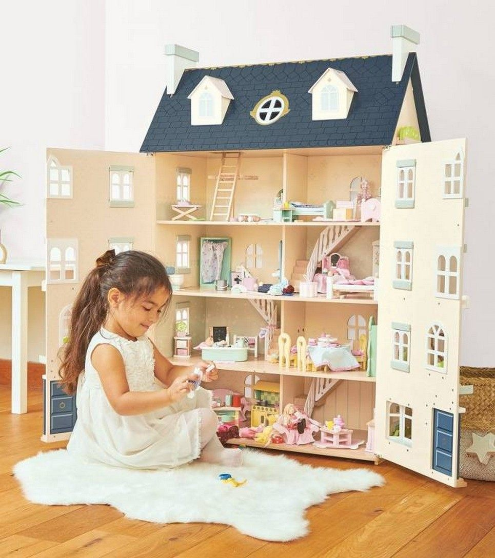 Palace Wooden Dolls House