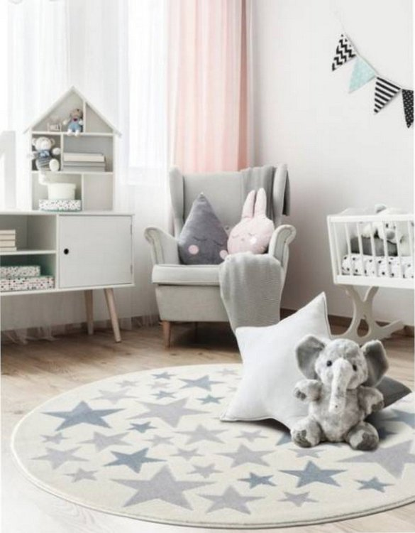 The perfect accessory for any nursery or child's bedroom, the Sea of Stars Children's Round Rug is a dreaminess that will certainly inspire your little one's creative play.