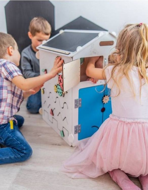 Practical, educational, and decorative educational game, the White Little House Activity Board keeps children busy for a long time, which gives parents a little free time.