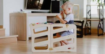 Toddlers are known to be very busy little people. At this stage, they are energetic and very curious about the world around them. Here's everything you need to know about toddler learning towers if you've never heard of them. You will find plenty of helpful shopping tips if you are considering purchasing one.