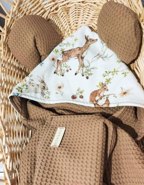 A charming towel to wrap your baby with after the bath, the Deer Brown Misio Hooded Baby Towel makes a very comfortable feel against baby's skin. This unique baby hooded towel is a definite must-have when completing a layette for a baby.