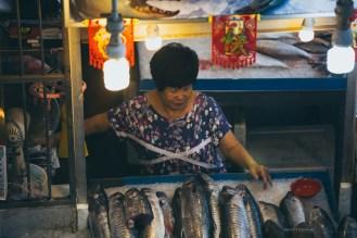 19-tekka-market-fish-seller