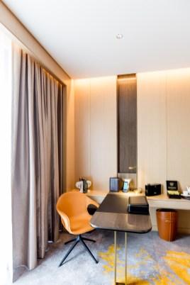 office-room-SofitelSingaporeCity-11