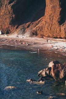 red-beach-sanorini-02