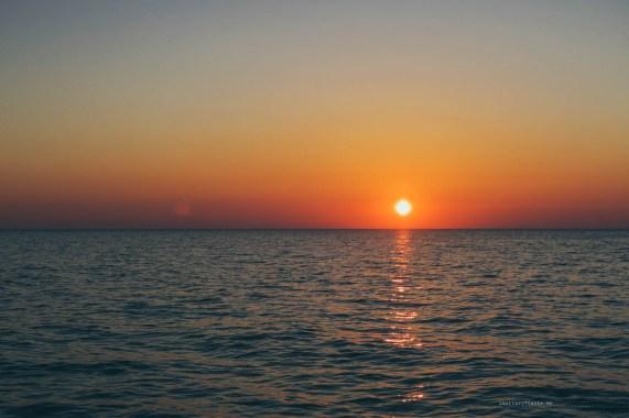 sailing-sunset-santorini-08