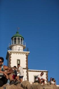 sunset-santorini-lighthouse-03