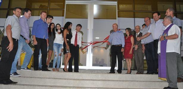 Presidente da AMAU prestigia inauguração de empresa em Três Arroios