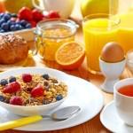 7 Alasan Anda Tidak Boleh Melewatkan Sarapan Setiap Pagi