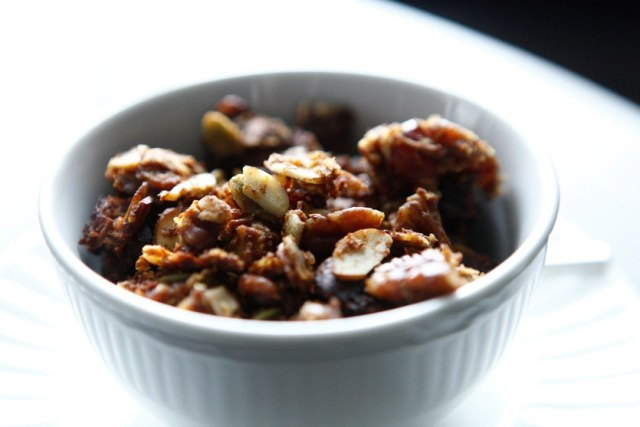 29 Paleo Treat Recipes- Maple Date Paleo Granola