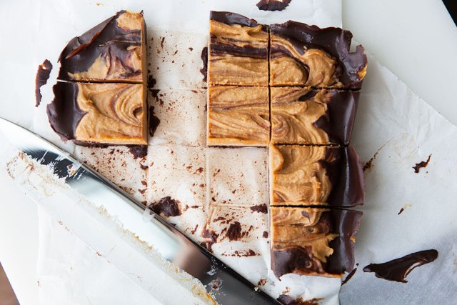 29 Paleo Treat Recipes- Pumpkin Chocolate Swirl Bars
