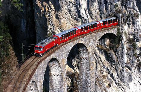 Italian-Swiss train