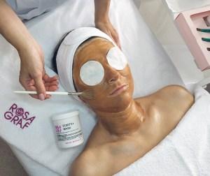 Доглядова процедура Rosa Graf. Йогуртова маска