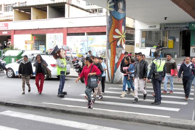La administración municipal con el apoyo de las instituciones públicas respectivas promueve el respeto a las señales de tránsito.