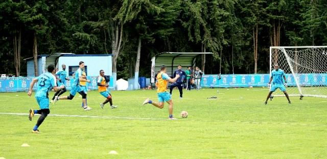 Macará retornó a los entrenamientos de cara a su partido con Universidad Católica.